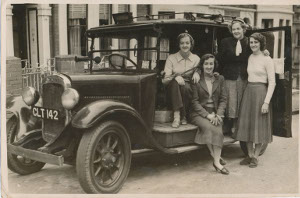 Pic of Pixie Annat London Taxi 1954