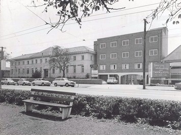 St Andrew's War Memorial Hospital in 1964